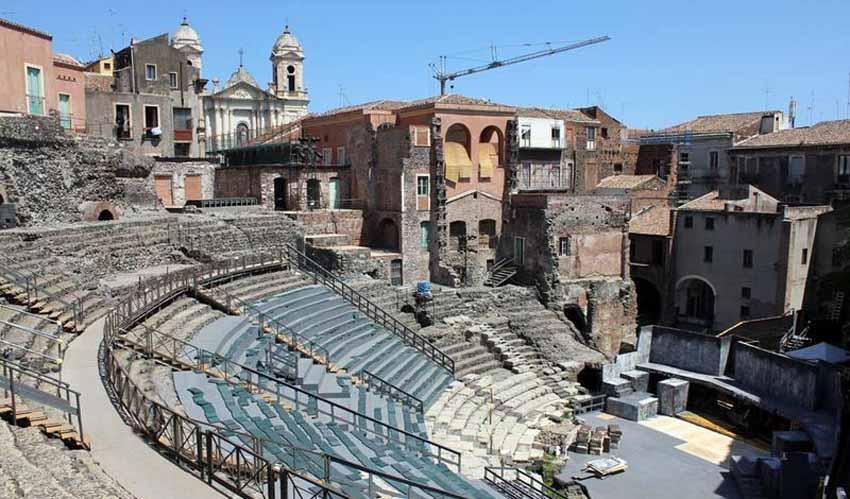 Катания и достопримечательности: Римский Театр
