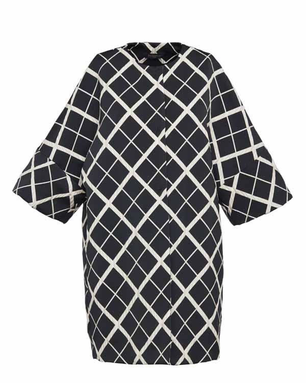 Пальто из технической ткани с рукавами в три четверти – 567 €