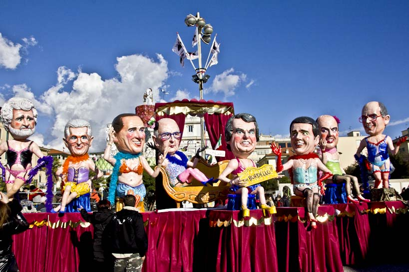 Карнавал в Виареджио 2015гг. ©Copyright Unseen Tuscany