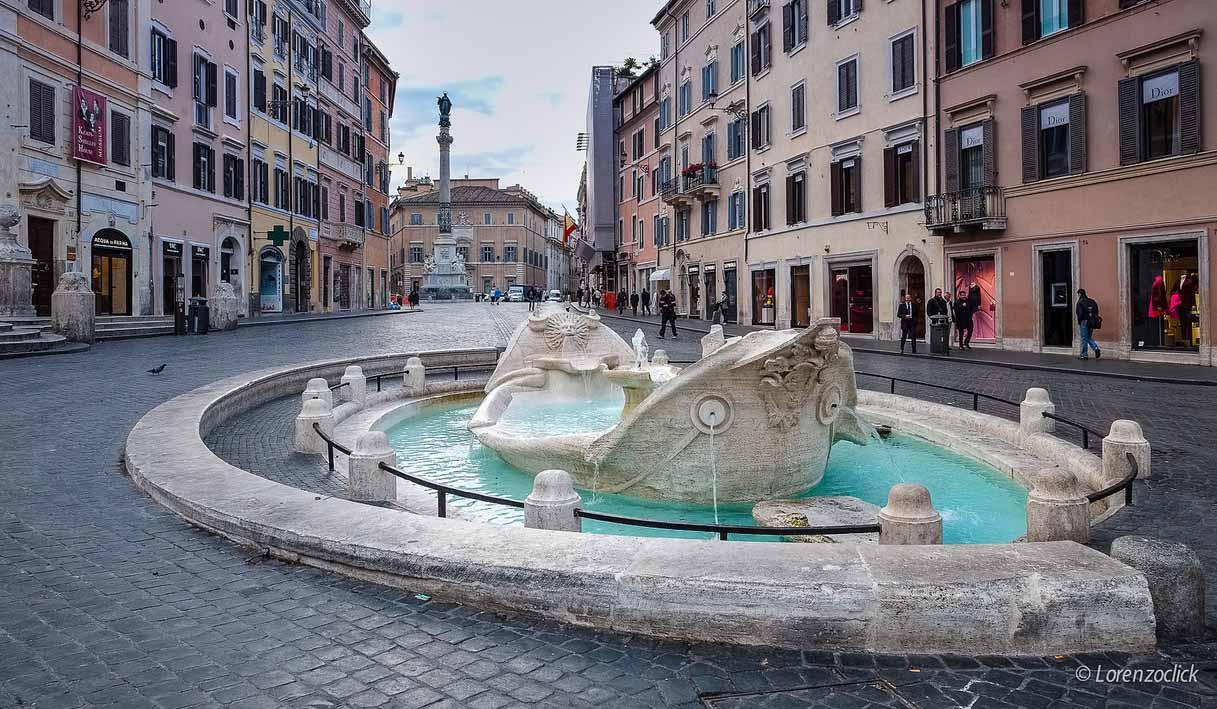Lorenzoclick Фонтан Лодочка (Fontana della Barcaccia) CC BY-NC