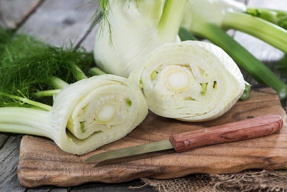 """Рецепт салата итальянской кухни  """"Сицилийский салат из фенхеля и апельсина"""""""
