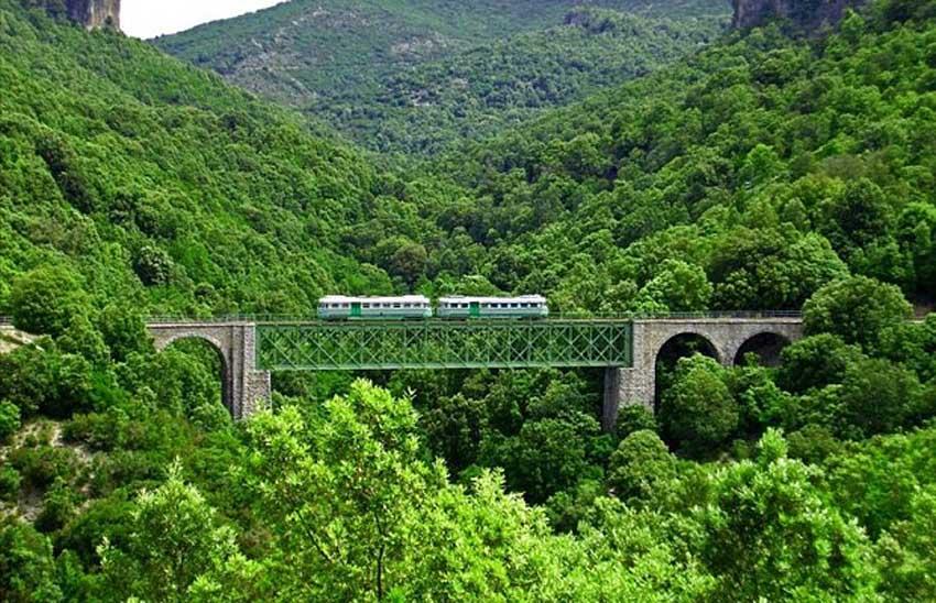 Зеленый поезд, Сардиния