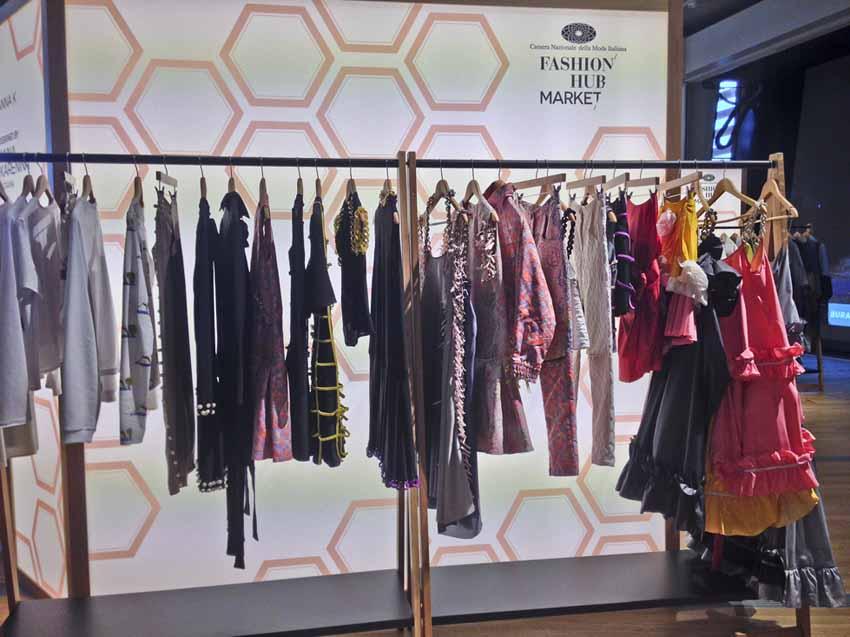 Fashion Hub Market Anna Karenina, Ukraina
