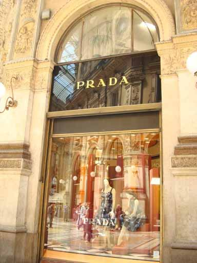Prada shopping