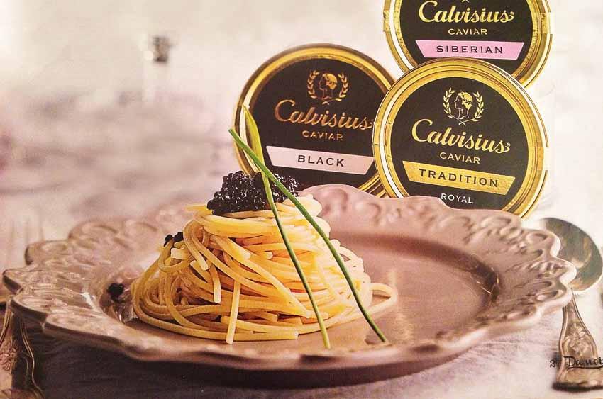 Спагетти с черной икрой