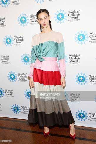 Руби Олдридж в платье от Blumarine